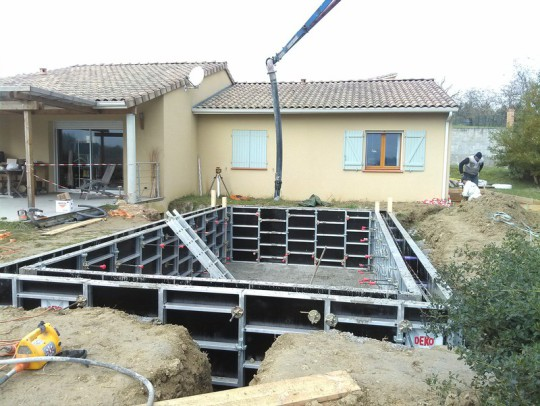 coulage piscine beton banche