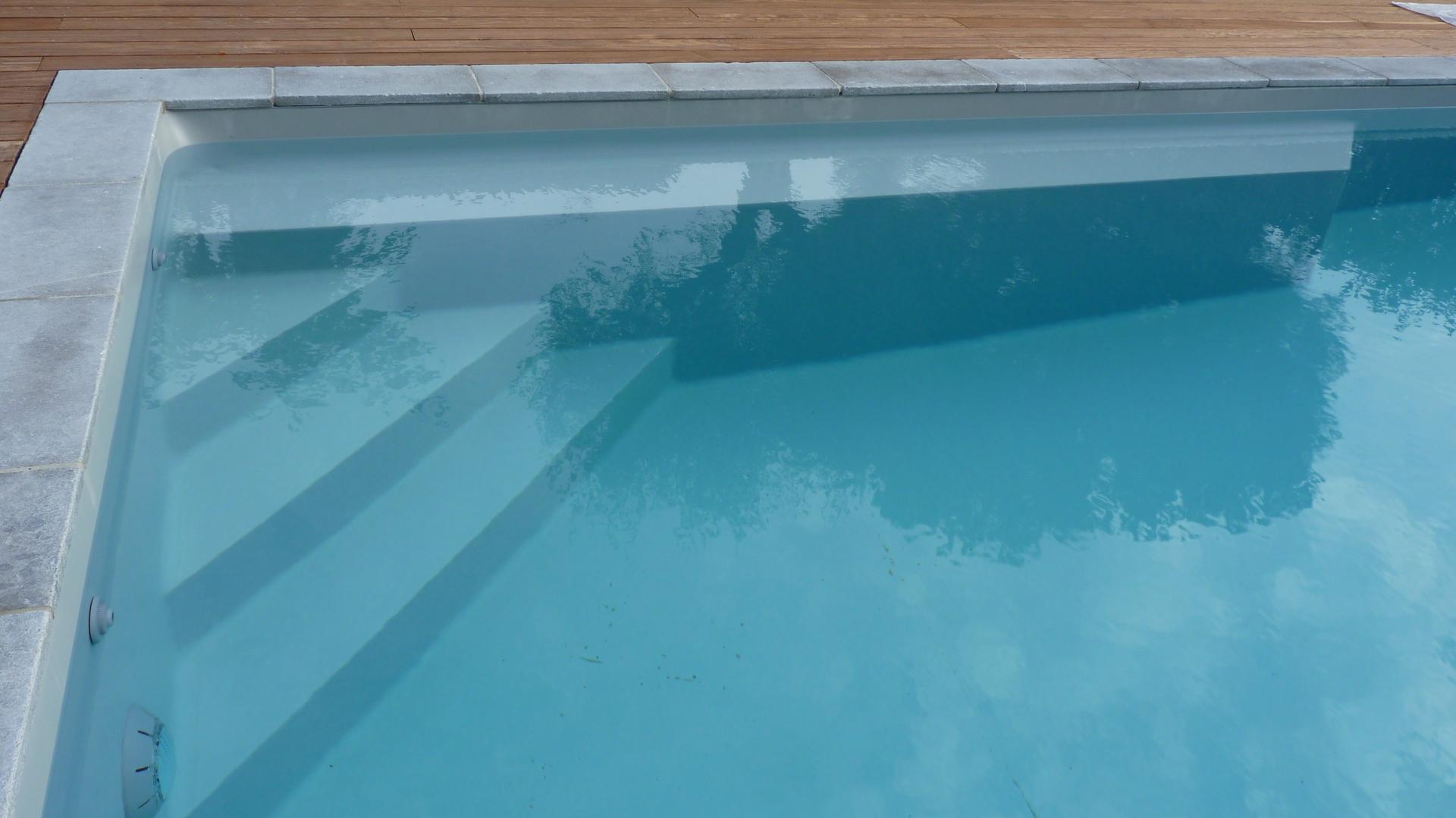 Piscine Beton Avec Plage Immergée piscines béton innovations solutions, piscines 100 % béton