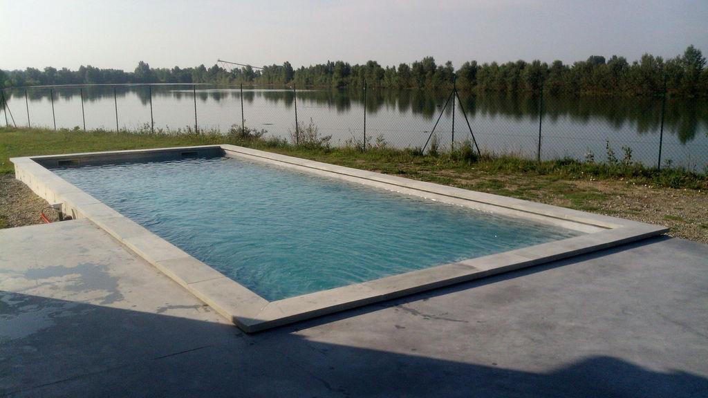 Piscines b ton innovations solutions piscines 100 b ton Revetement piscine beton cire
